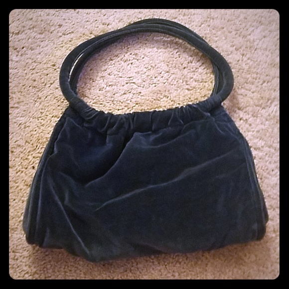 Dark navy blue velvet purse with magnetic clasp